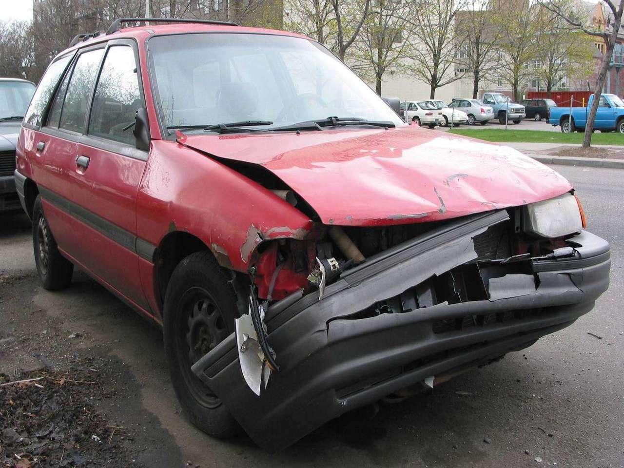 épave voiture accidentée